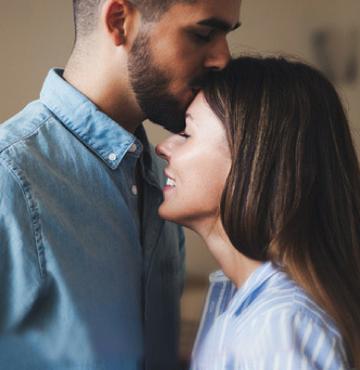 Männlicher Dating-Coach für eine Frau